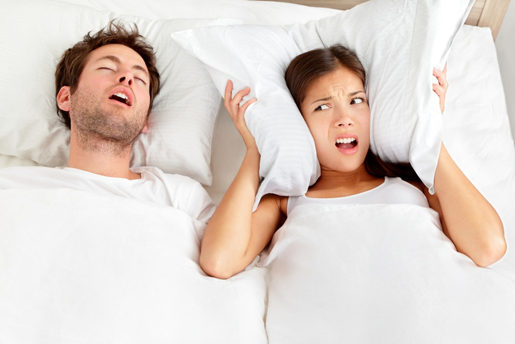 How Snoring Ruins Your Skin