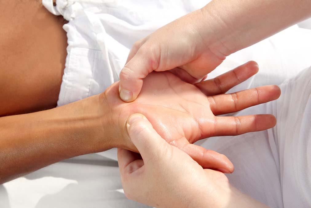 """This """"Massage"""" Cures Vertigo"""