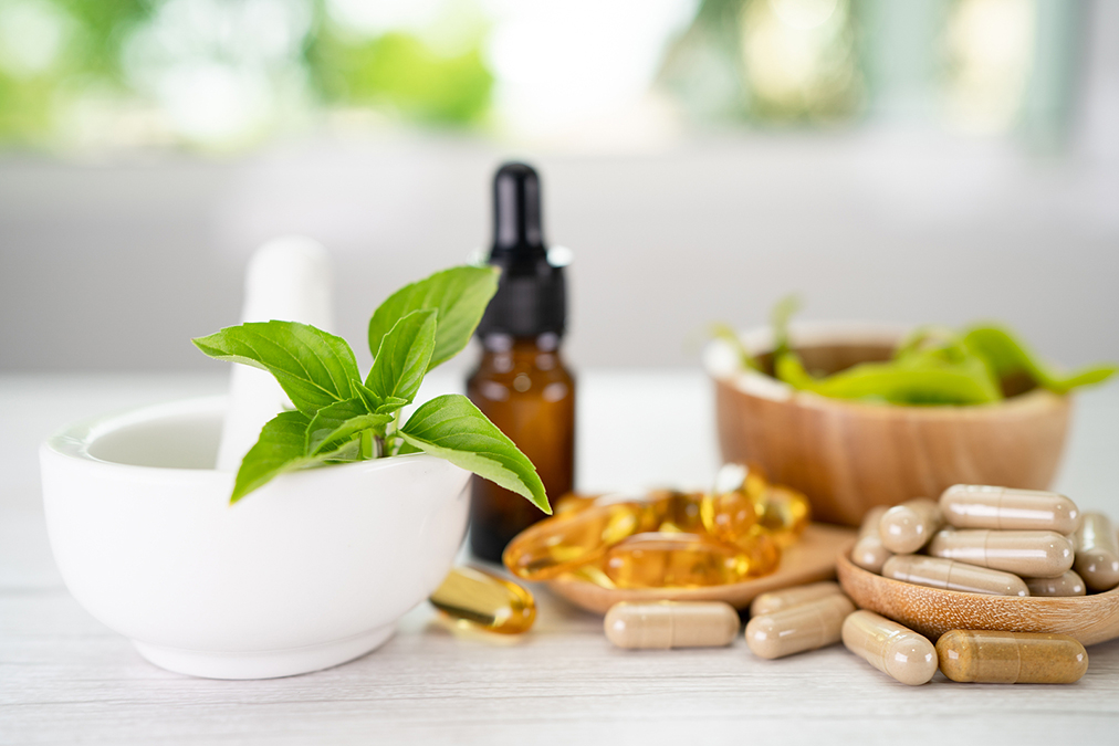 This Oil Cures Nail Fungus